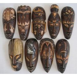 Dřevěná maska 20cm