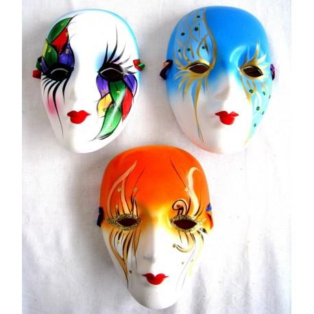Porcelánová maska 18cm