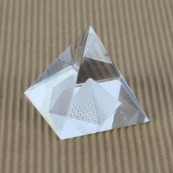 Těžítko, křišťálová pyramida 5cm